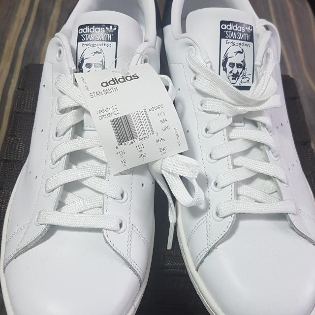 online store 52d8c 69e7a ADIDAS Originals white and navy Stan Smith trainer