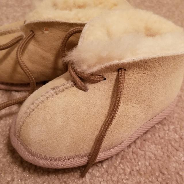 ee438b77f4e New baby uggs Size 4