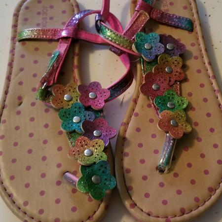 11112d65165db Size 12 girls Joe boxer sandals good used condition