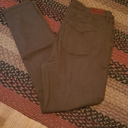 132b8c29a3f Best New and Used Women s Clothing near Ellensburg
