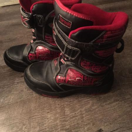 ee094ae9a84ab Tony Hawk Thermolite boots are good used condition.