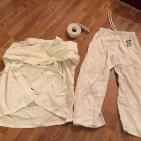 Used, Karate suit ages 6 - 10 for sale  Canada