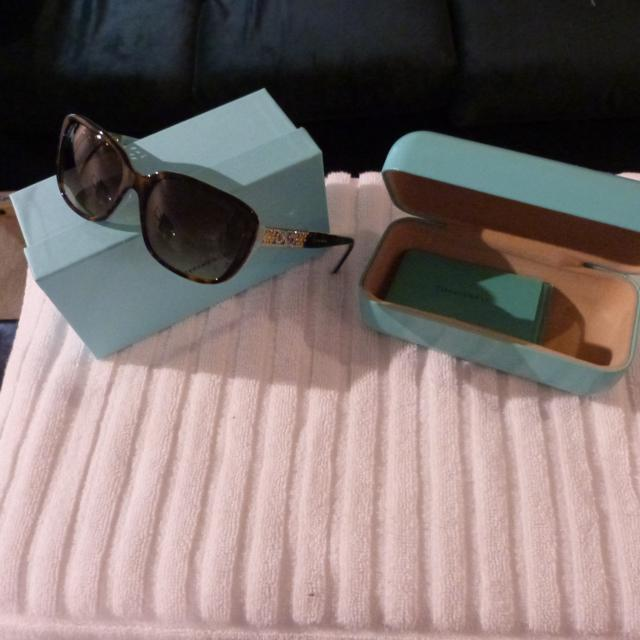ee36f12eee4a Find more Authentic Tiffany   Co Sunglasses New Condition Giftable ...