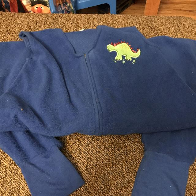 the latest b3c69 90d48 Price reduced EUC Halo footed sleep-sack size 4-5T