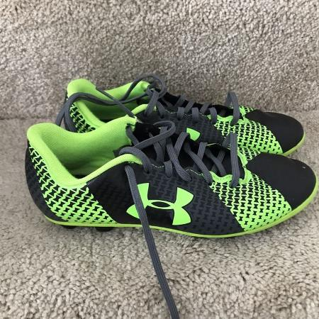 af62dae6d52 Soccer shoes 5 Youth.  2. Soccer shoes 5 Youth. Women s high top size 5