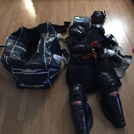 Hockey gear priced to sell quick for sale  Canada