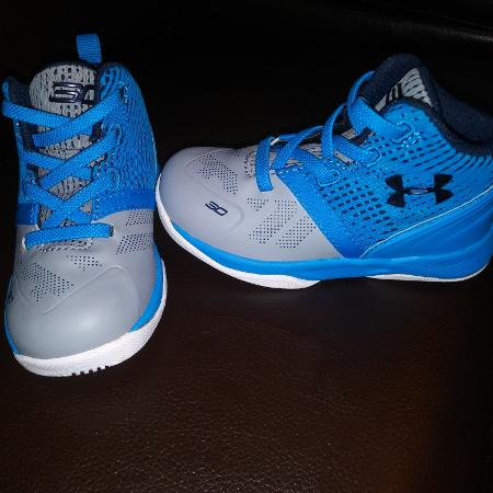 03d8805f0b *NEW*NEVER WORN* TODDLER BOYS UNDER ARMOUR BLUE AND GREY SHOES- REALLY