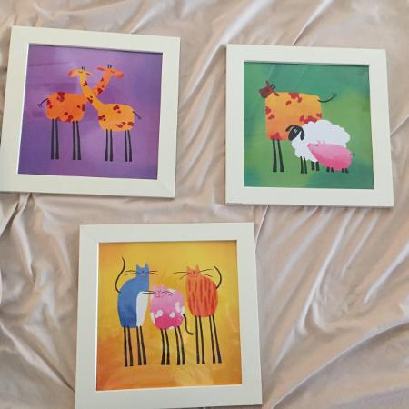 animal decor pictures - giraffes,..., used for sale  Canada