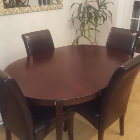 Table and Chairs - great condition for sale  Canada