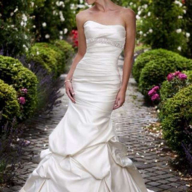 Best Essence Of Australia Wedding Dress for sale in Regina ...