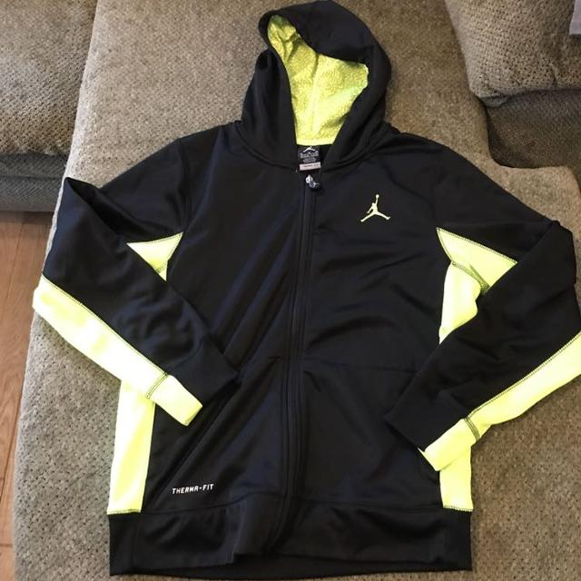 996b1e42a4e8 Find more Nike Jordan Therma Fit Hoodie Sweatshirt Size Extra Large ...