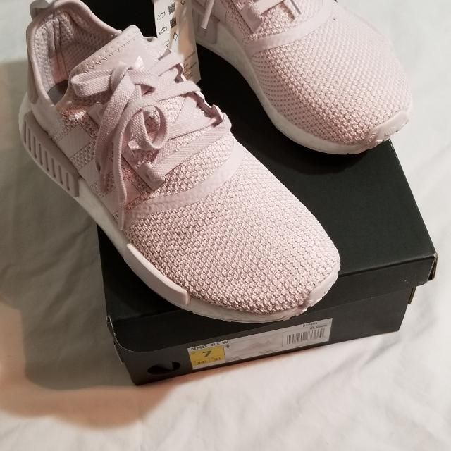 the latest 90d3b 8e47c Adidas Nmd R1 Orchid Tint womens size 7