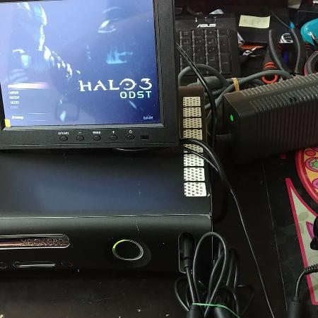 Xbox 360 with 3 Halo games, used for sale  Canada