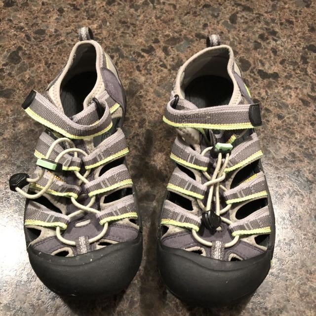 04f8129e4d Best Keen Youth Size 6 Sandals for sale in Jefferson City, Missouri .