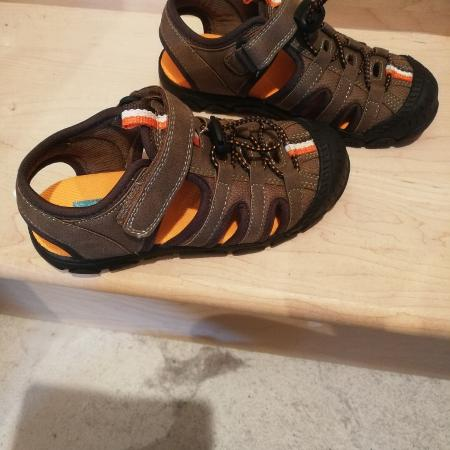 4f6eaf77f314 Best New and Used Chaussures   Garçons near Valleyfield