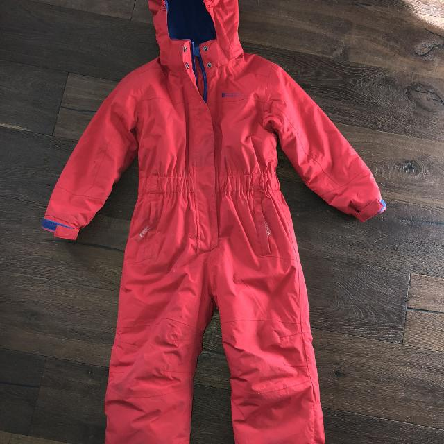 684460510 Best One Piece Snowsuit Boys Or Girls Size 5-6 Waterproof for sale in  Airdrie, Alberta for 2019