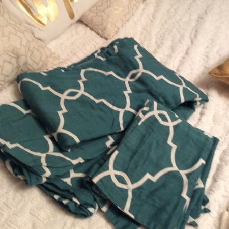 Queen size duvet with shams fcfs for sale  Canada