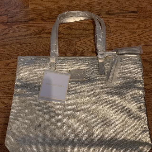 142b01c69 Best Michael Kors Gold Tote for sale in Etobicoke, Ontario for 2019