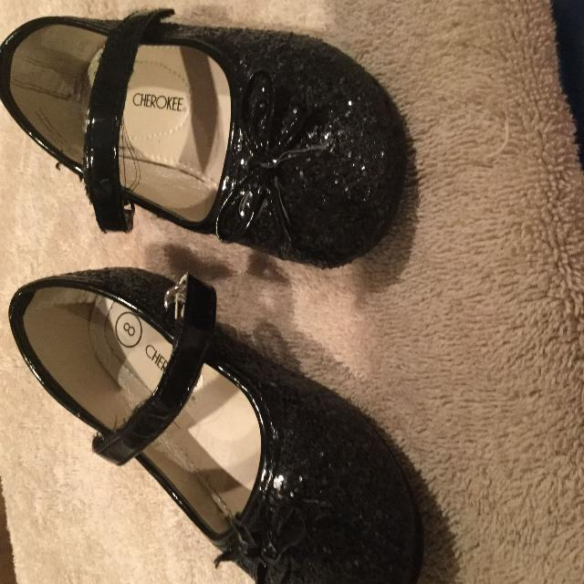 Best Toddler 8 Black Shoe $2 for sale in Victoria, British Columbia for 2019