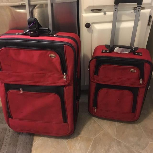 9b3eb95aa52d American Tourister matching luggage set