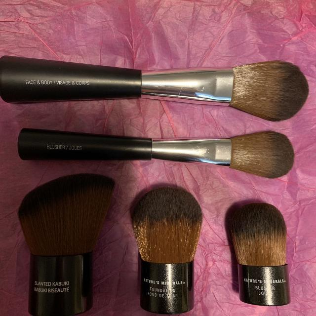 Best Body Shop Makeup Brushes for sale in Nanaimo, British Columbia for 2019