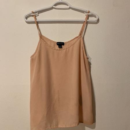 b0bc19b5bd Best New and Used Women s Clothing near Dollard-Des Ormeaux