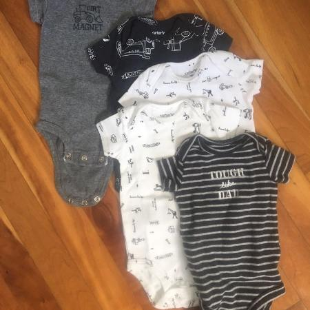 11919c5f2 Find more 4 Long Sleeve Onesies for sale at up to 90% off - Cobourg, ON