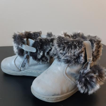 75874a8b7e6c Best New and Used Shoes near Leduc