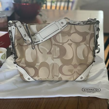 3a479aa40e Best New and Used Purses, Jewelry & Accessories near Kanata, ON