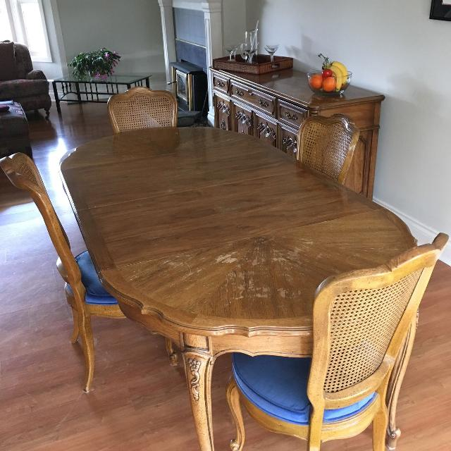 Best Thomasville Dining Room Set For Sale In Parksville British Columbia For 2021