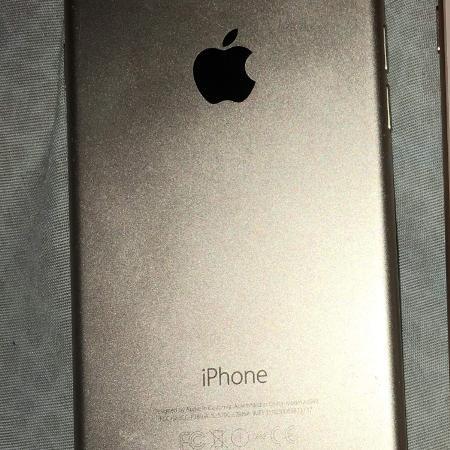 5f31c7ca565 Iphone 6s gold