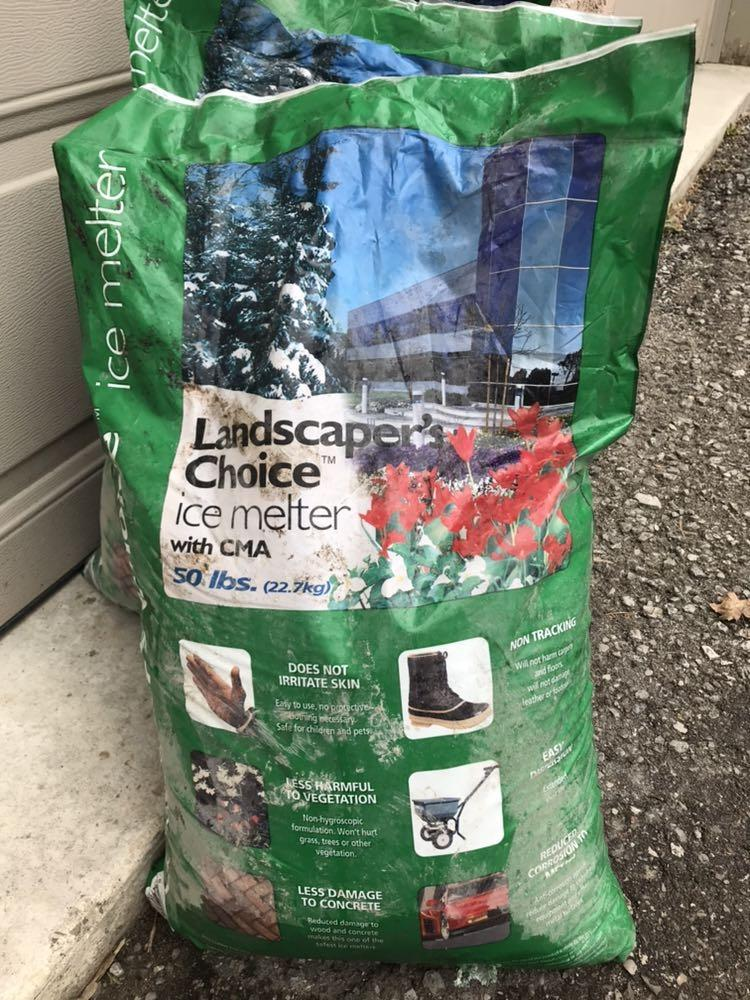Best Selling Bags Of Landscapers Choice Ice Melter 10a Bag 50lbs For Sale In North York Ontario For 2021