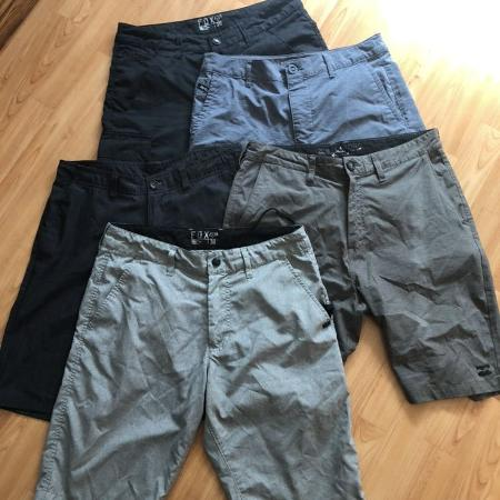 2518f7014 Lot of 5 pairs of Brand name surfer walk shorts Size 30 (wet or dry
