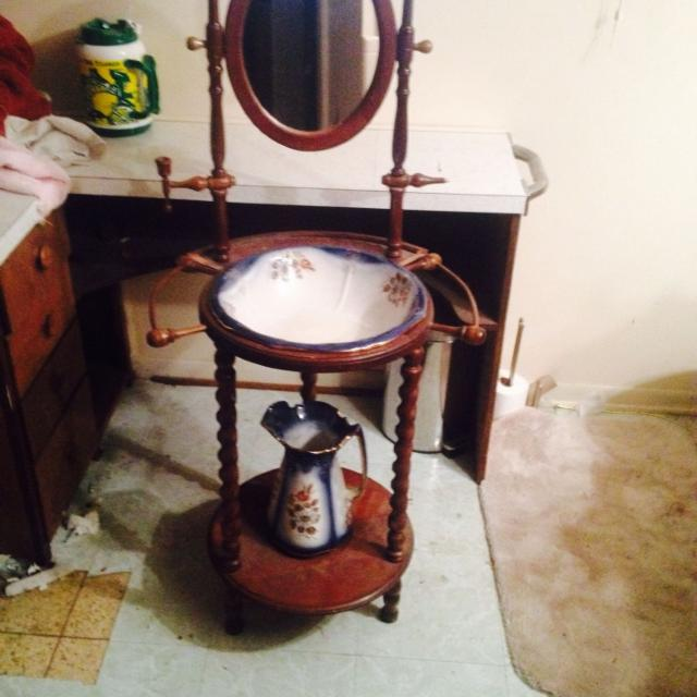 Find More Antique Wash Basin With Stand And Mirror And Pitcher 50