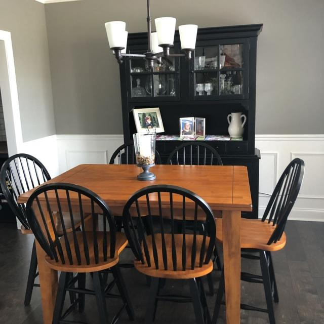 Gorgeous Bar Height Kitchen Table, Chairs, and Buffet\\Hutch