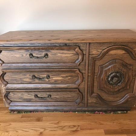 Oak Veneer And Cedar Chest - I have 2... for sale  Canada