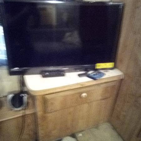 32in Sanyo Smart Tv
