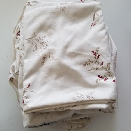 For queen bed. 1 fitted sheet 1 flat... for sale  Canada