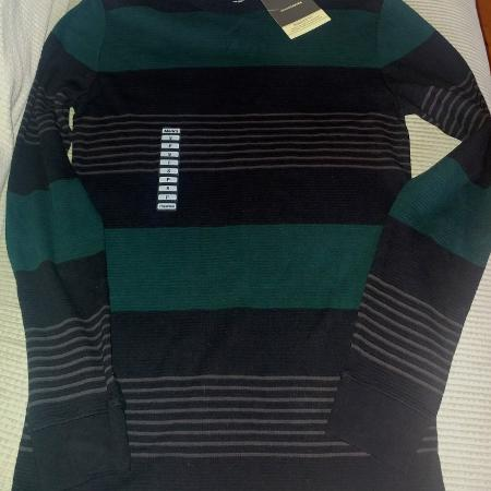 3ad21bca3adc New with tags vlack and green striped knit long sleeve top