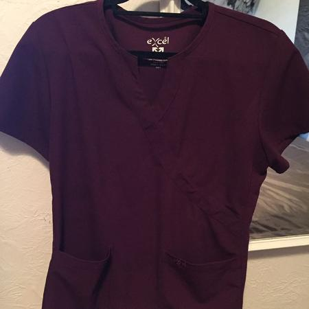 78354b1275f Find more Koi Scrub Tops for sale at up to 90% off - Victoria, BC