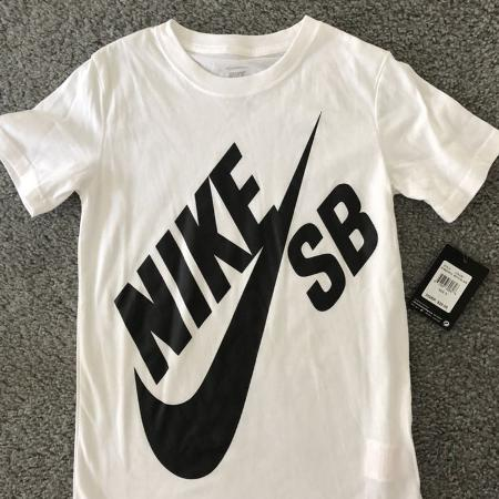 NWT Nike t-shirt for sale  Canada