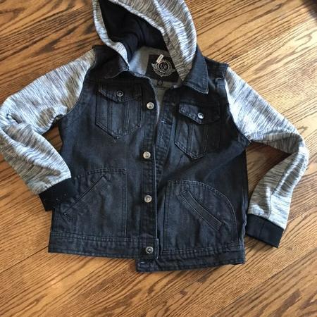 d4f5cb2283f Best New and Used Junior & Teen Boys Clothing near Dollard-Des ...