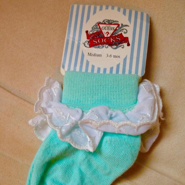find more bnwt baby guess socks 3 6 months for sale at up to 90 off