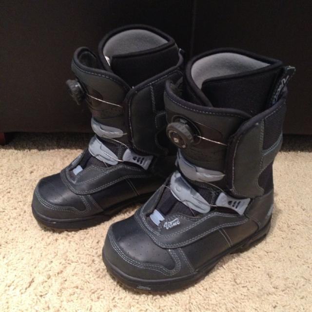 42ec8e3df0 Best Vans Encore Snowboard Boots - Women s Size 6 for sale in Airdrie
