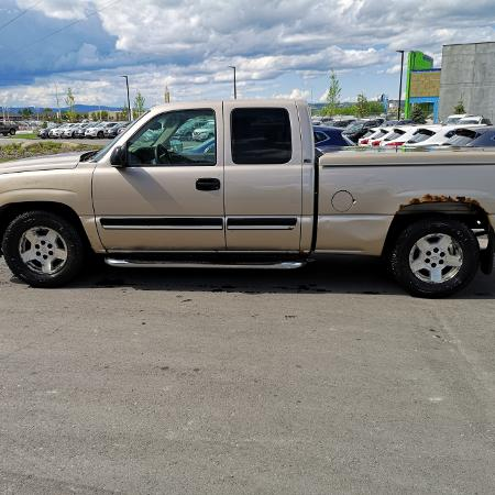 06 Chevy Silverado PERFECT WORK TRUCK, used for sale  Canada