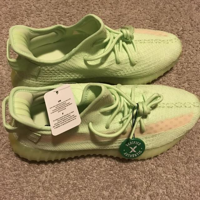 Amazon.com adidas Yeezy Boost 350 V2 GID Infant (Glow