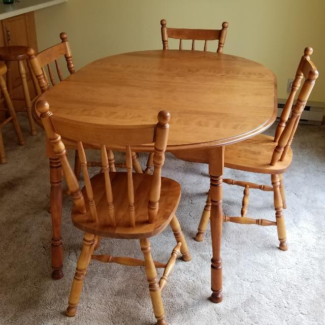 Country Style Dining Room Set with 4 Chairs
