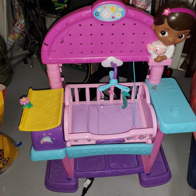 Doc Mcstuffin Baby Crib Changing Table