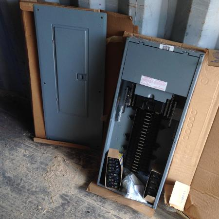 200 amp 40 space Square D Panel, used for sale  Canada