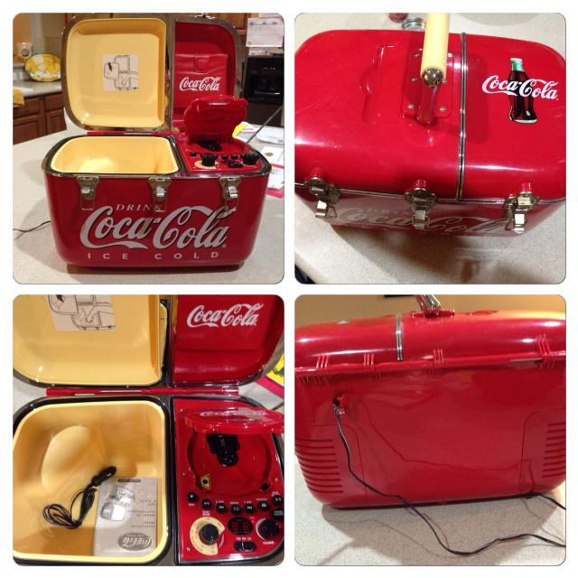 Collectable Coca Cola Cooler Radio Cd Player